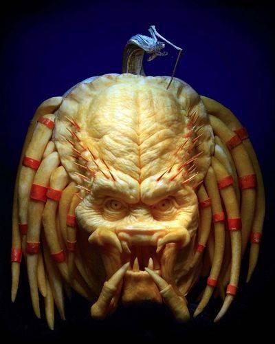 Predator_pumpkin_halloween